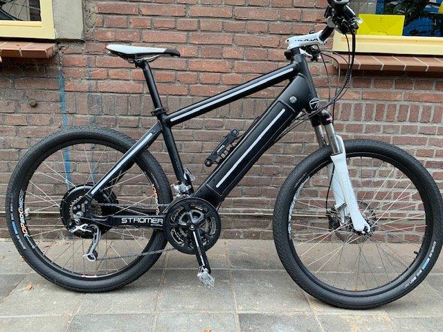 Stromer ST1 naked bike